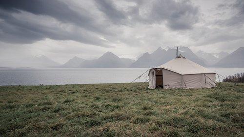 Fenomeno glamping: soggiorni di lusso… ma in tenda